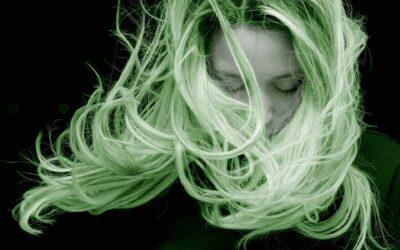 Grönt hår efter dusch